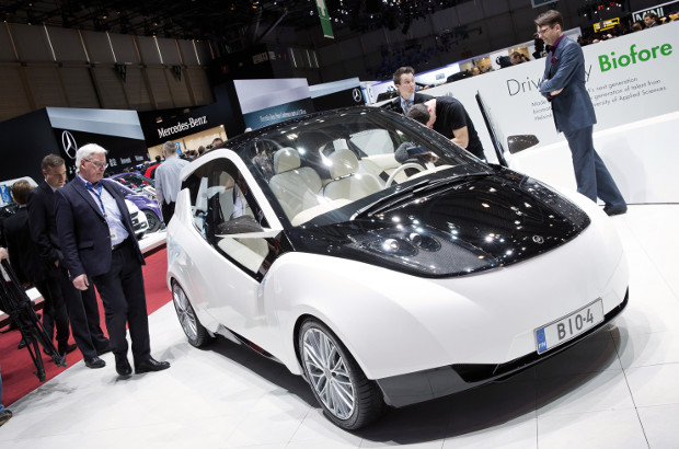 UPM:n Biofore-car presented in an exhibition..